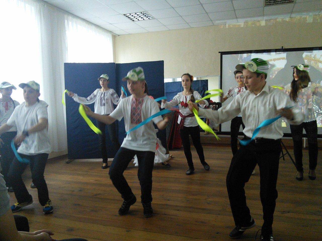 Співаємо, танцюємо, здоров'ячко шануємо!
